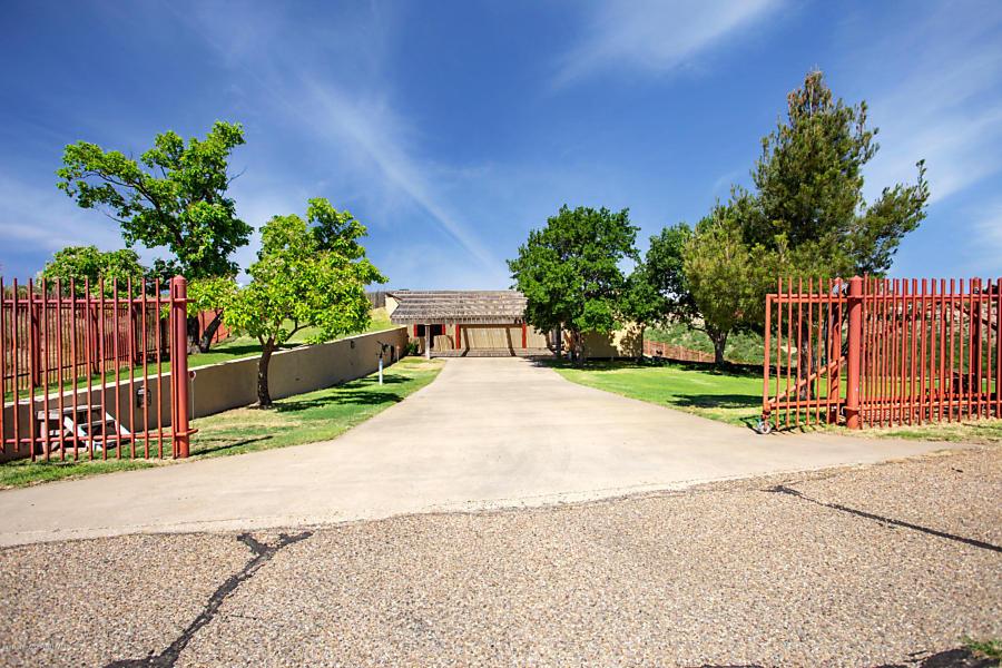 Photo of 606 Michael Ln Amarillo, TX 79118