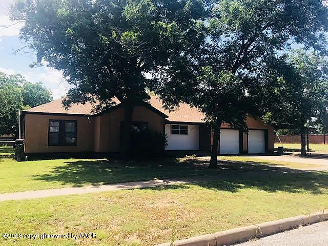 Photo of 703 S 9th St Memphis, TX 79245