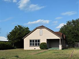Photo of 408 Houston Street Shamrock, TX 79079