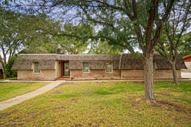 Photo of 55 COUNTRY CLUB DR Canyon, TX 79015