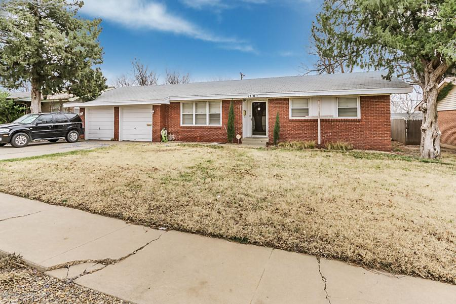 Photo of 1710 Evergreen St Pampa, TX 79065
