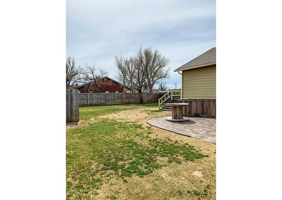 Photo of 501 Barkley St Spearman, TX 79081