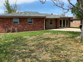 Photo of 610 Wall Stratford, TX 79084