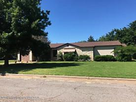 Photo of 1110 Avenue J Childress, TX 79201