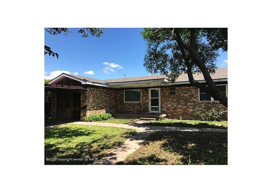 Photo of 1009 Loyola St Perryton, TX 79070