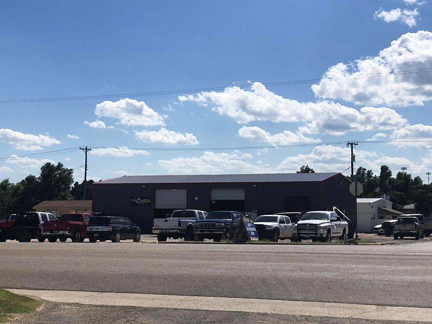 Photo of 1000 Main St Stinnett, TX 79083