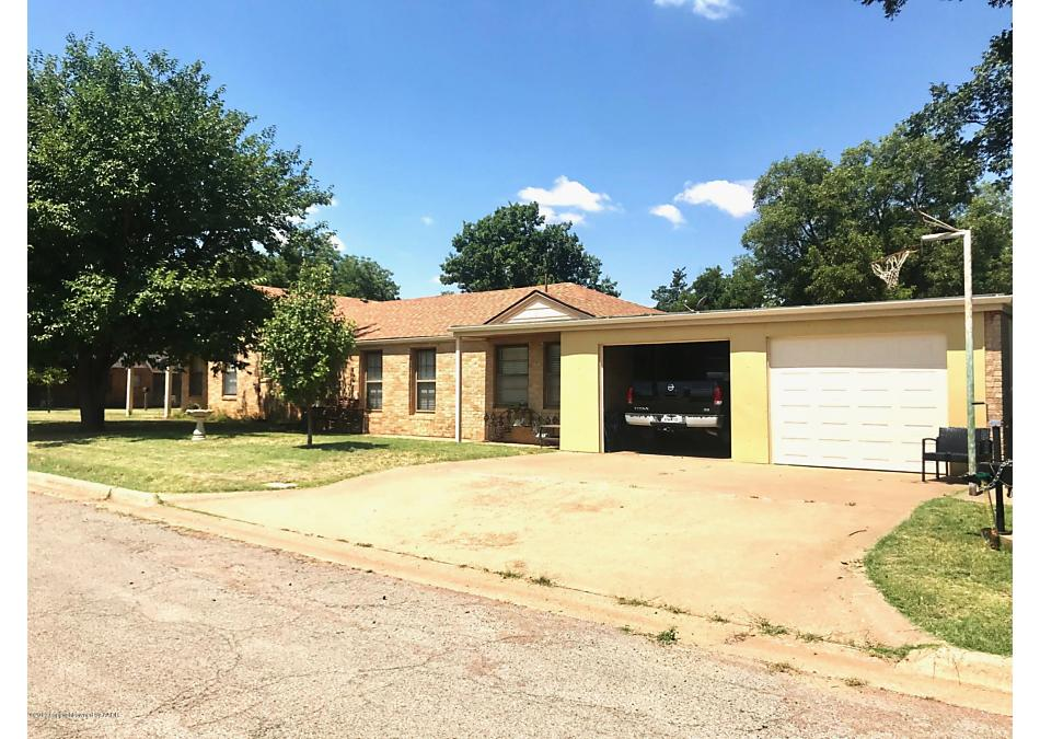 Photo of 511 Ave H SE Childress, TX 79201