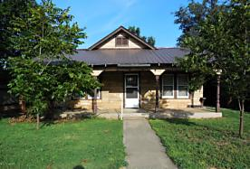 Photo of 404 Main St Shamrock, TX 79079