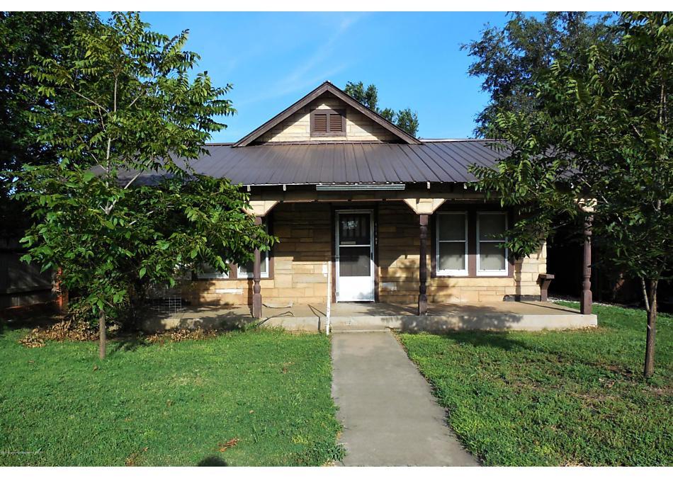 Photo of 404 Main St Shamrock, TX 79079
