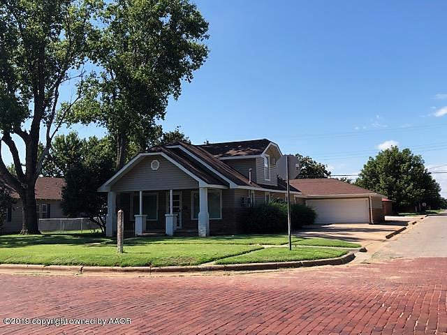 Photo of 1201 East Ave Wellington, TX 79095