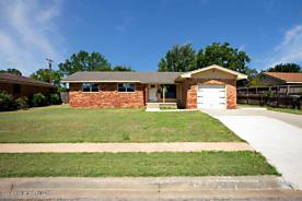 Photo of 2125 Chestnut Pampa, TX 79065