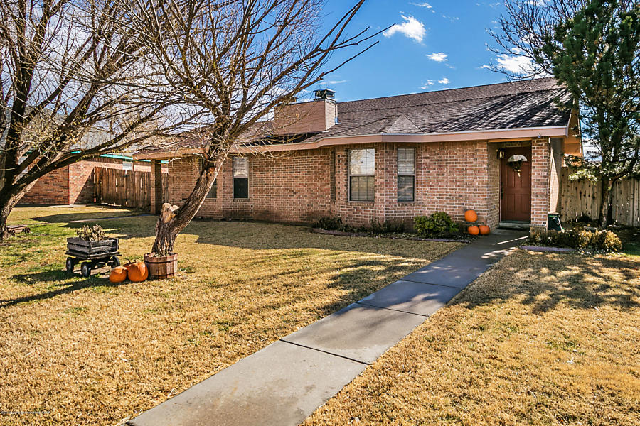 Photo of 513 HARRELL LN Canyon, TX 79015