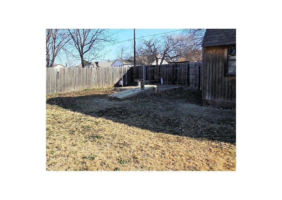 Photo of 408 Wall St Shamrock, TX 79079