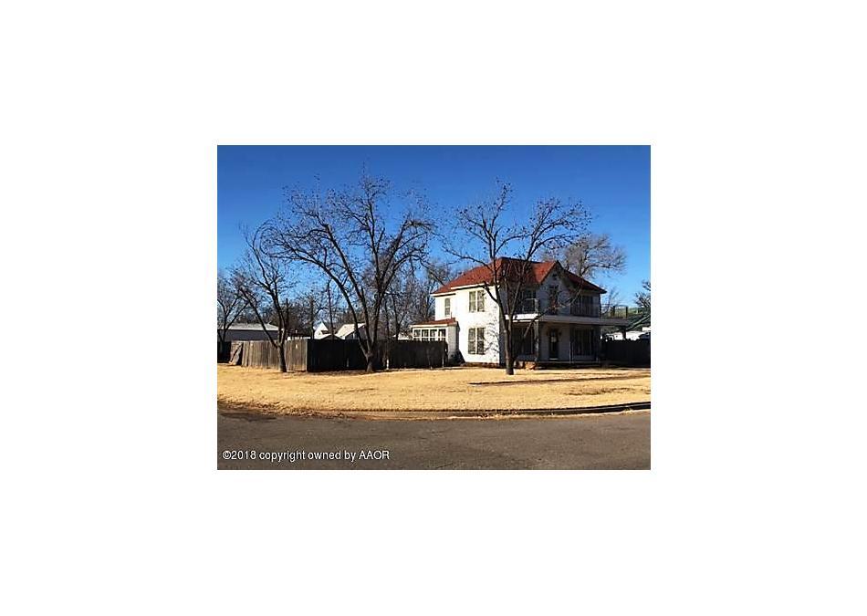 Photo of 510 Avenue  F Se Childress, TX 79201