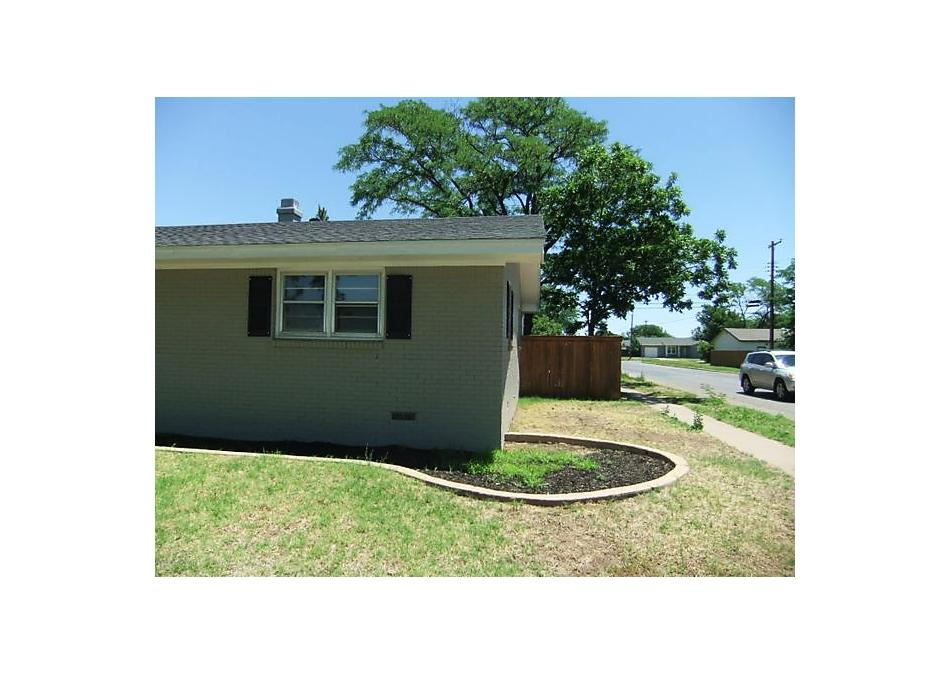 Photo of 2300 Charles St Pampa, TX 79065