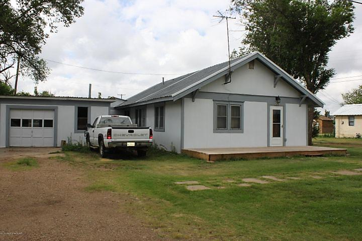 Photo of 506 4th Panhandle, TX 79068