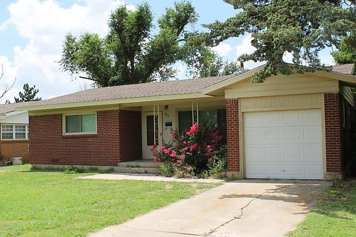 Photo of 1614 Grinnell Perryton, TX 7907