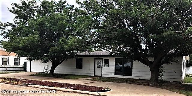 Photo of 501 S Horn St White Deer, TX 79097