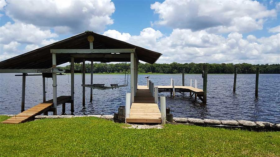 Photo of 195 Sportsman Drive Welaka, FL 32193