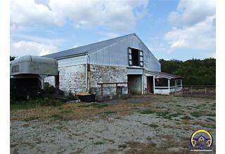 Photo of 3050 Sw Hays Rd Topeka, KS 66614