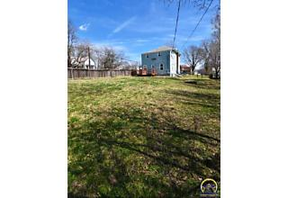 Photo of 727 New Jersey Ave Holton, KS 66436