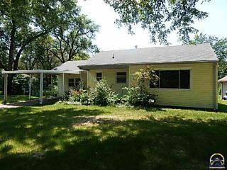 Photo of 2601 Sw Murrow Ct Topeka, KS 66611