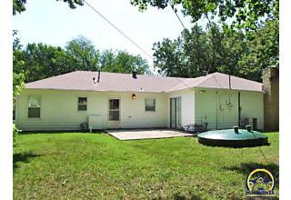 Photo of 2345 Sw Wayne Ave Topeka, KS 66611