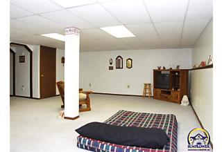Photo of 423 Navaho Dr Holton, KS 66436