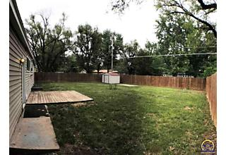 Photo of 1933 Sw 34th St Topeka, KS 66611