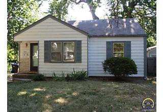 Photo of 820 Sw Watson Ave Topeka, KS 66606