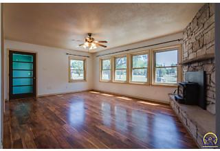 Photo of 625 Sw Fowler St Maple Hill, KS 66507