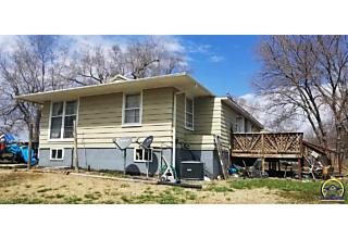Photo of 828 Walnut St Burlingame, KS 66413
