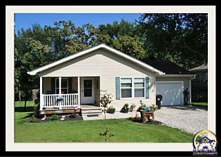 Photo of 2208 Se Highland Ave Topeka, KS 66605