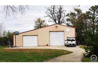Photo of 3930 Nw Brickyard Rd Topeka, KS 66618