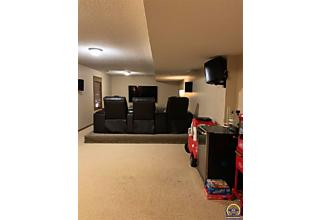 Photo of 2537 Sw Golf View Dr Topeka, KS 66614