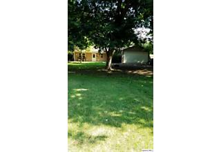 Photo of 1511 Hinton Dr Quincy, IL 62305