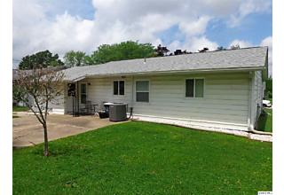 Photo of 3412 Lawrence Road Quincy, IL 62301