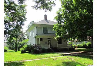 Photo of 323 S Madison Carthage, IL 62321