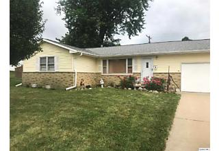 Photo of 442 Holly Dr Quincy, IL 62305
