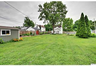 Photo of 523 Van Buren St Quincy, IL 62301