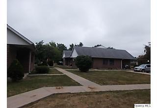 Photo of 744 E Main Street Carthage, IL 62321