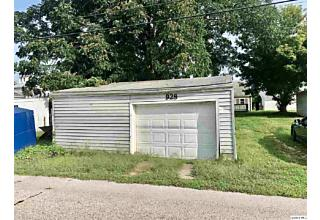 Photo of 928 Ohio St Quincy, IL 62301
