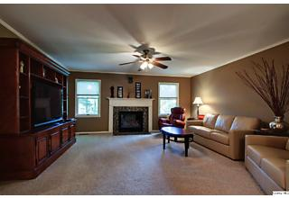 Photo of 2724 Southfield Dr Quincy, IL 62301