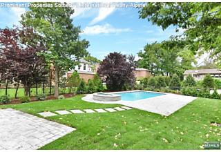 Photo of 2 Stephen Drive Englewood Cliffs, NJ