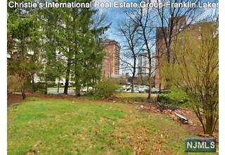 Photo of 104 Summit Avenue Hackensack, NJ