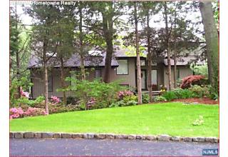 Photo of 306 Ivy Court Franklin Lakes, NJ