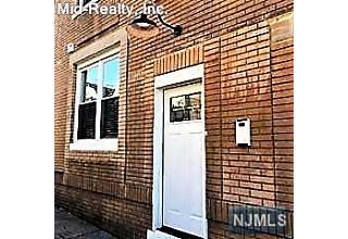 Photo of 498 Avenue A Bayonne, NJ