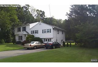 Photo of 6 Ridge Road Pequannock Township, NJ