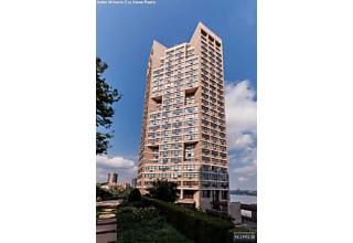 Photo of 7002 Boulevard East Guttenberg, NJ