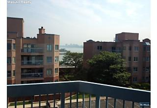 Photo of 604 Smith Court Edgewater, NJ